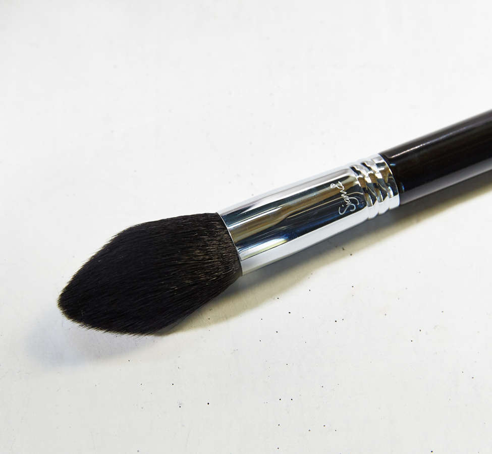 Slide View: 2: Sigma Beauty F-25 Tapered Face Brush