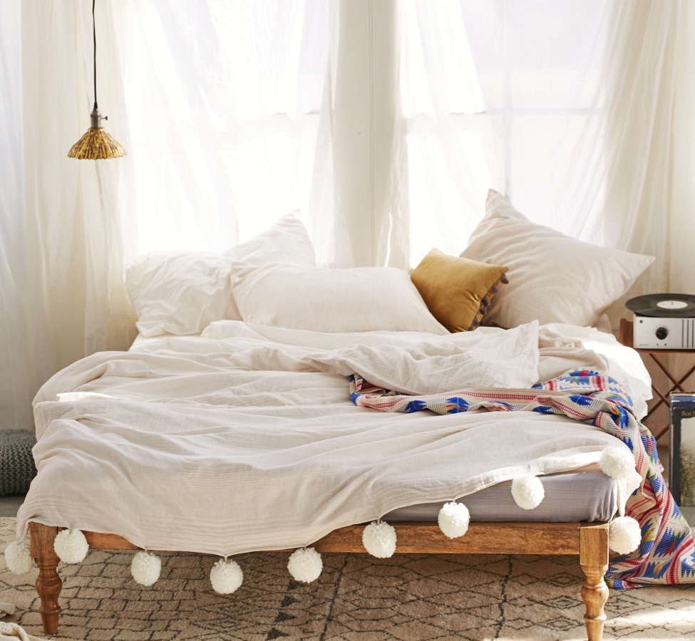 Slide View: 1: Plum & Bow Alia Duvet Cover