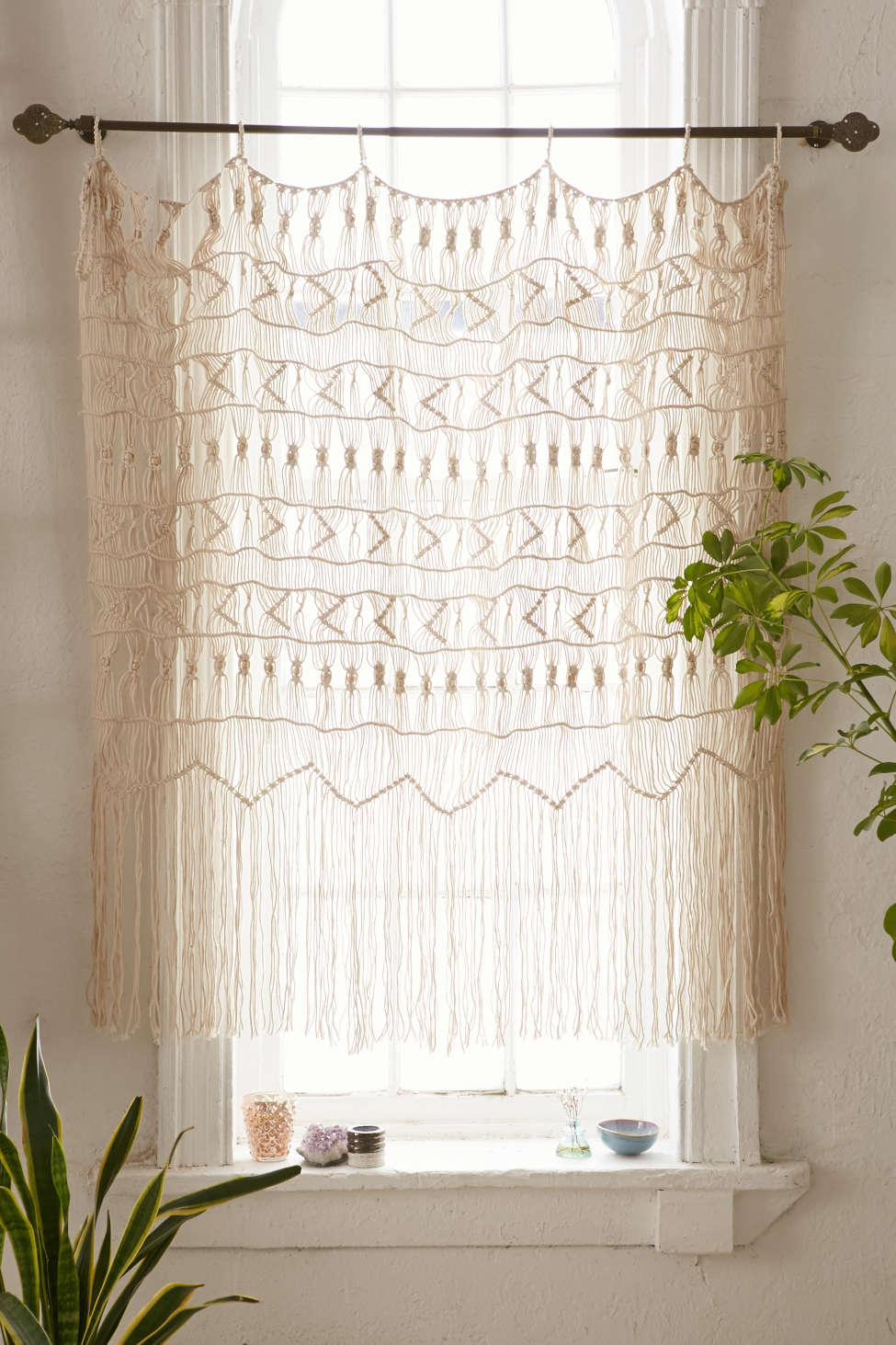 Slide View: 1: Kushi Macrame Wall Hanging