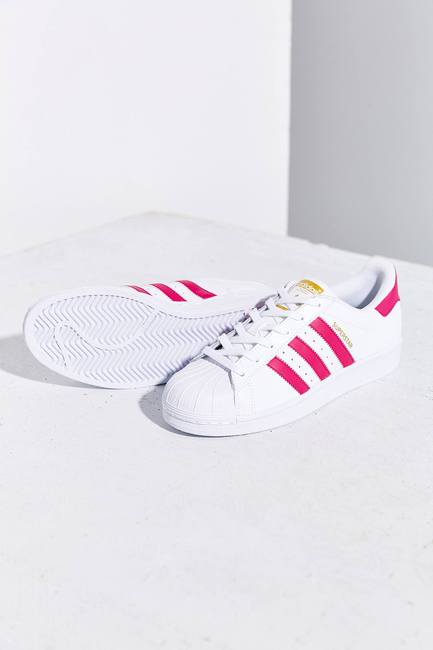 adidas superstar le donne scarpe originali urban outfitters