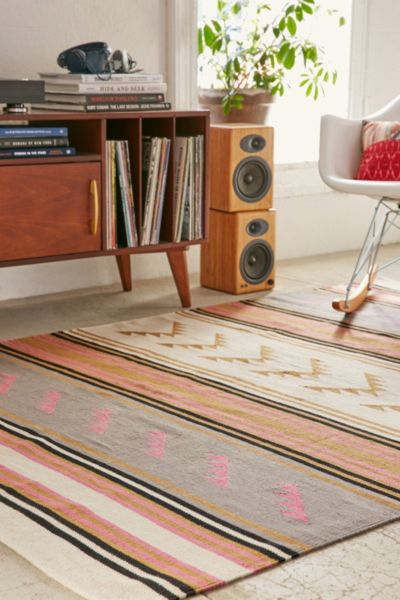 Maude Triangle Woven Rug - Pink 3 X 5 at Urban Outfitters