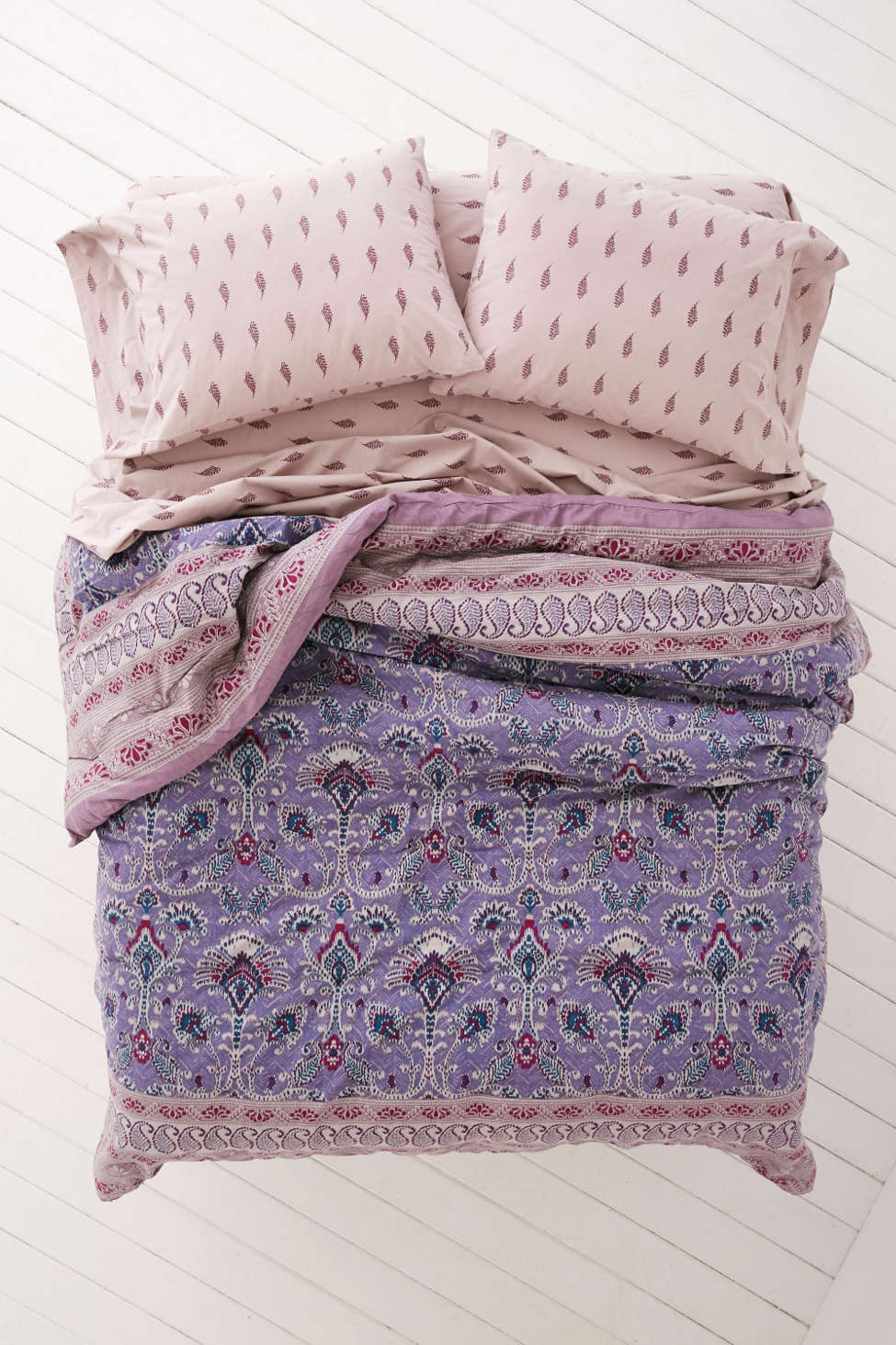 plum & bow hazelle comforter snooze set | urban outfitters
