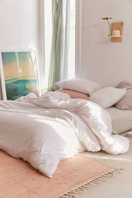 Bedding Bed Sheets Comforters More Urban Outfitters Canada