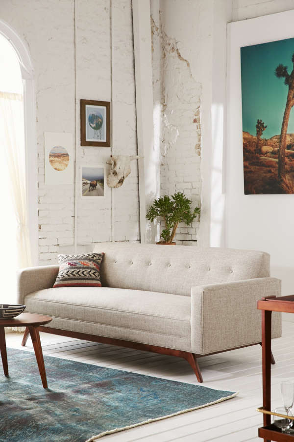 Atomic tufted sofa urban outfitters for Urban home beds