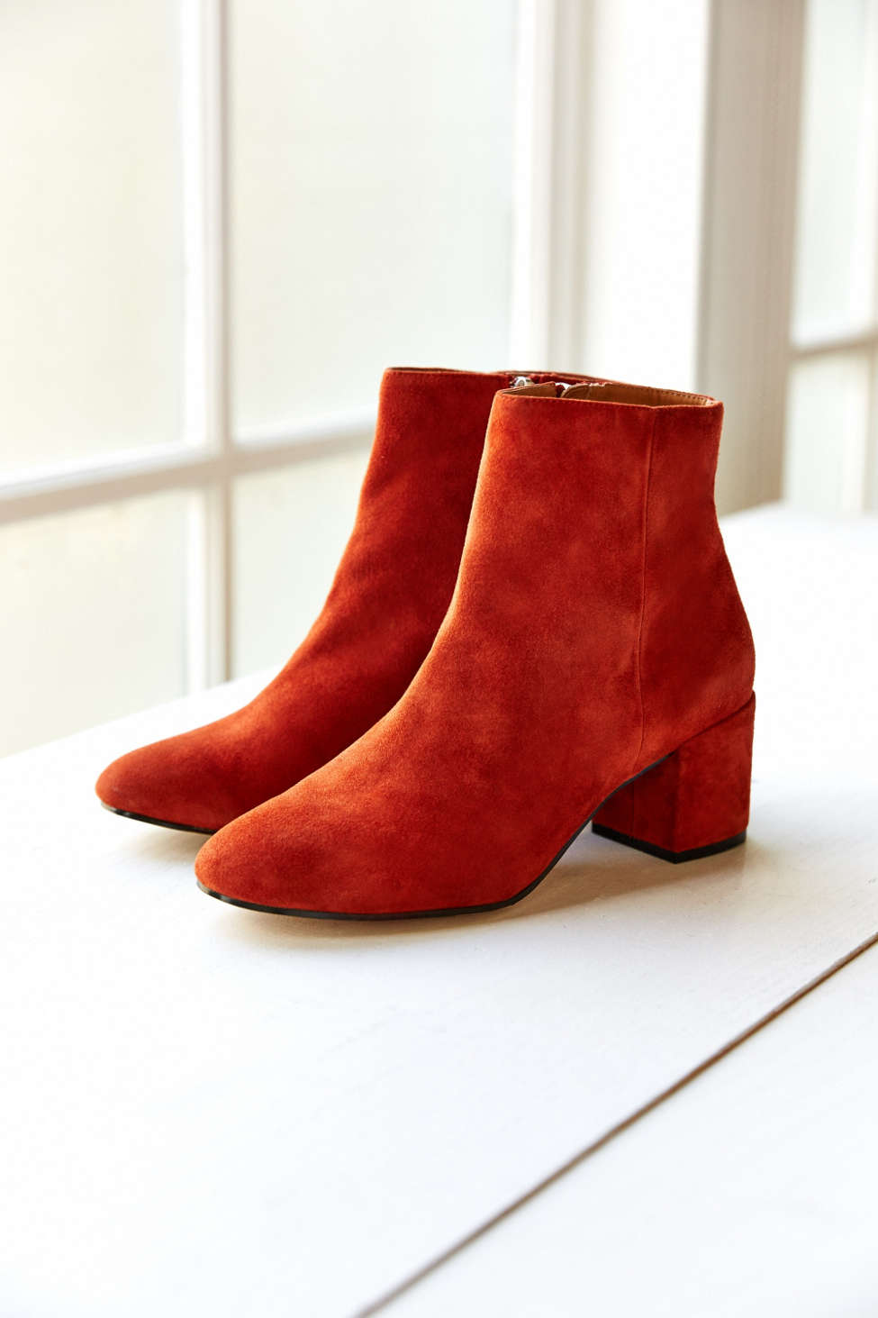 http://www.urbanoutfitters.com/urban/catalog/productdetail.jsp?id=36294098&category=W_SHOES_BOOTS&color=086