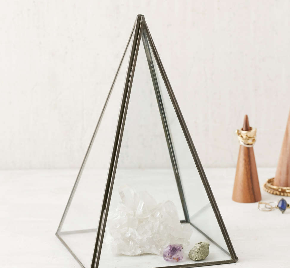 Slide View: 1: Pyramid Glass Cloche
