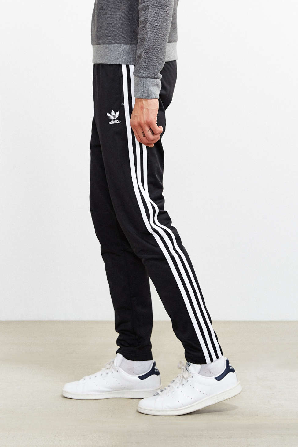 Adidas superstar open hem rintracciare le urban outfitters