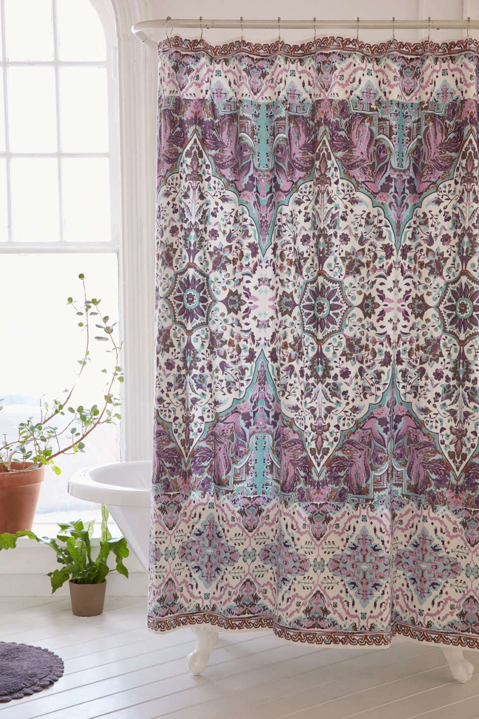 Slide View: 1: Magical Thinking Florin Shower Curtain