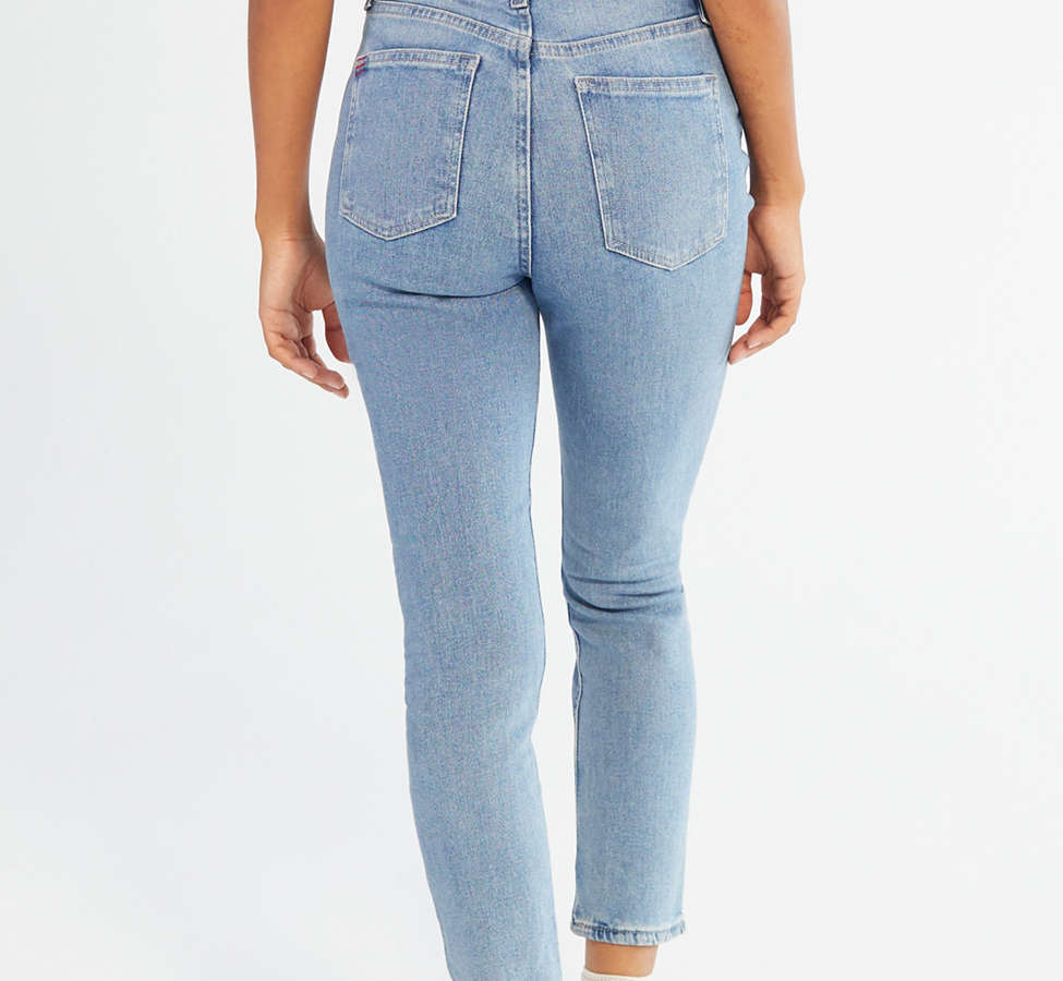 Slide View: 3: BDG Girlfriend High-Rise Jean - Light Wash