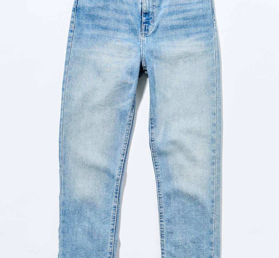 Slide View: 6: BDG Girlfriend High-Rise Jean - Light Wash