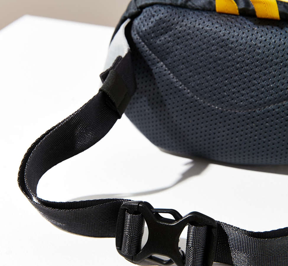 Slide View: 5: Patagonia Lightweight Travel Mini Belt Bag