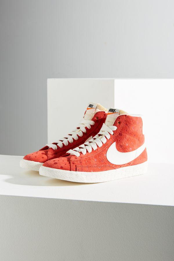 Slide View  1  Nike Women s Blazer Mid Suede Vintage Sneaker 29a85d18b