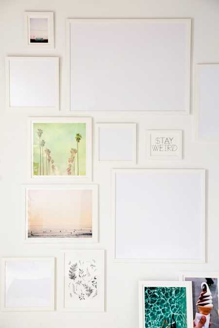 Slide View: 1: White Matte Art Print Frame
