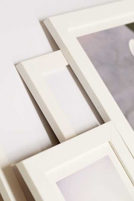 Slide View: 2: White Matte Art Print Frame