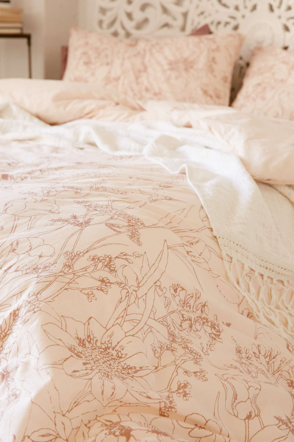 plum & bow margot climbing floral duvet cover | urban outfitters
