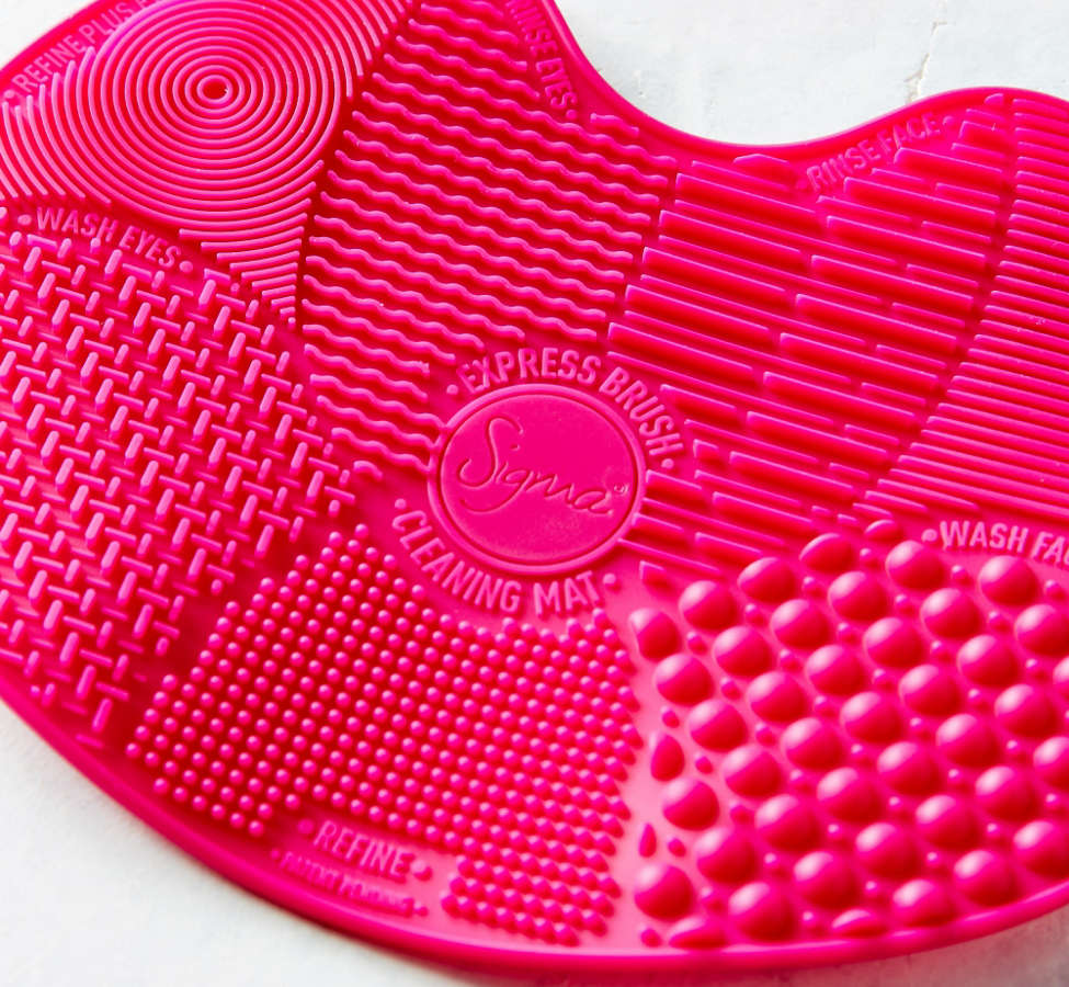 Slide View: 3: Sigma Beauty Spa Express Brush Cleaning Mat
