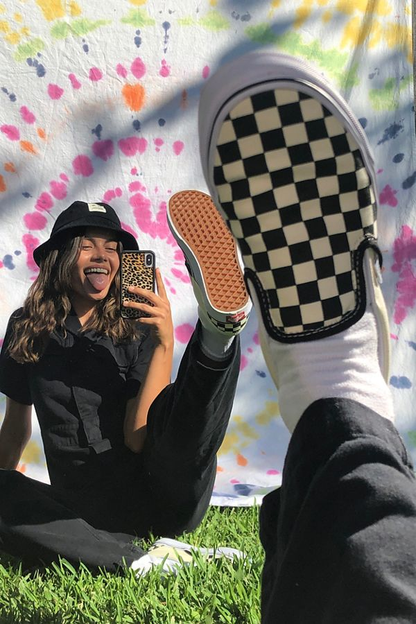 vans checkerboard slip on black grey