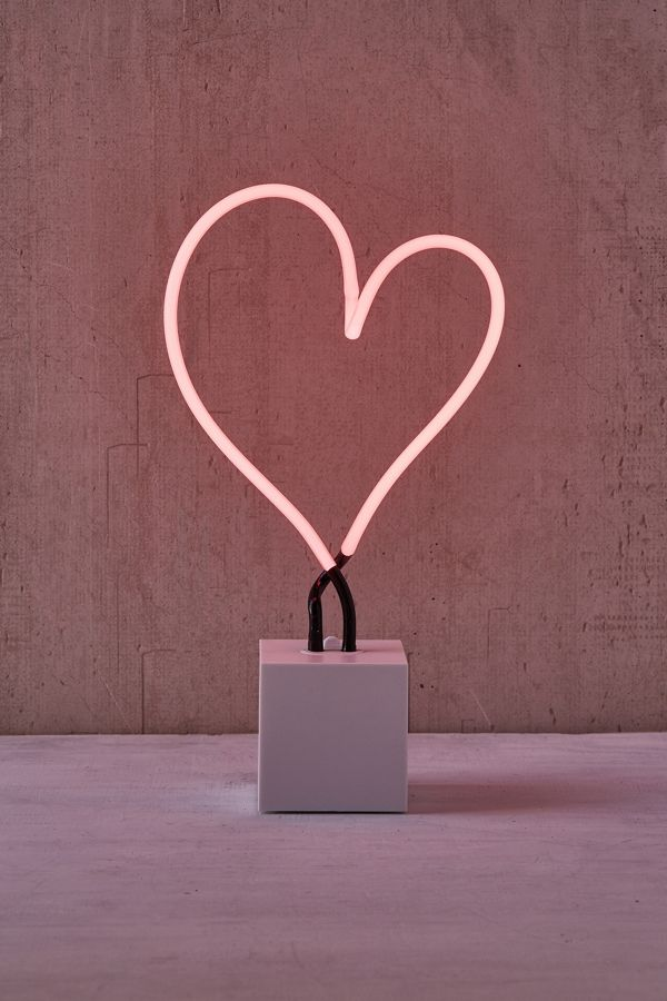 Neon Mfg Heart Sign Table Lamp Urban Outfitters