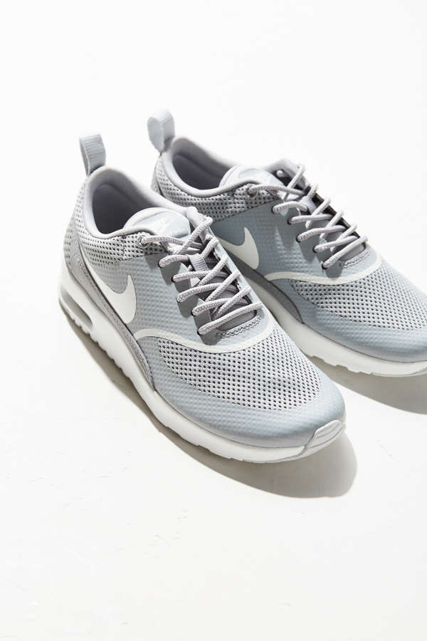 Nike Air Max Thea Older Kids' Shoe. Nike ID