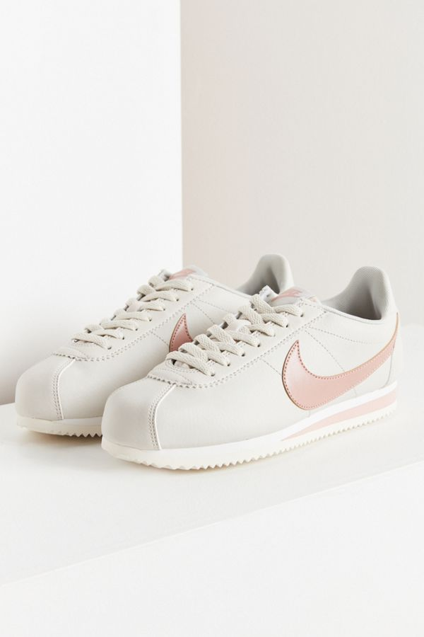 Nike Classic Cortez Sneaker  80382e7b3