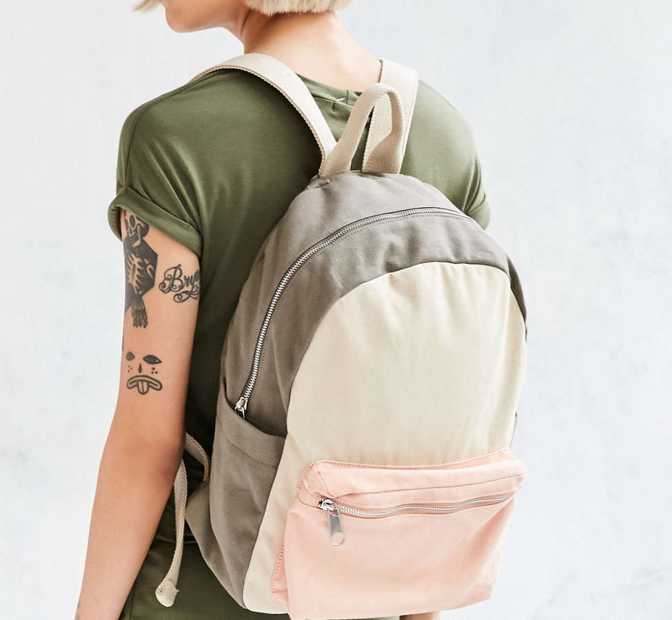Slide View: 1: BDG Classic Canvas Backpack
