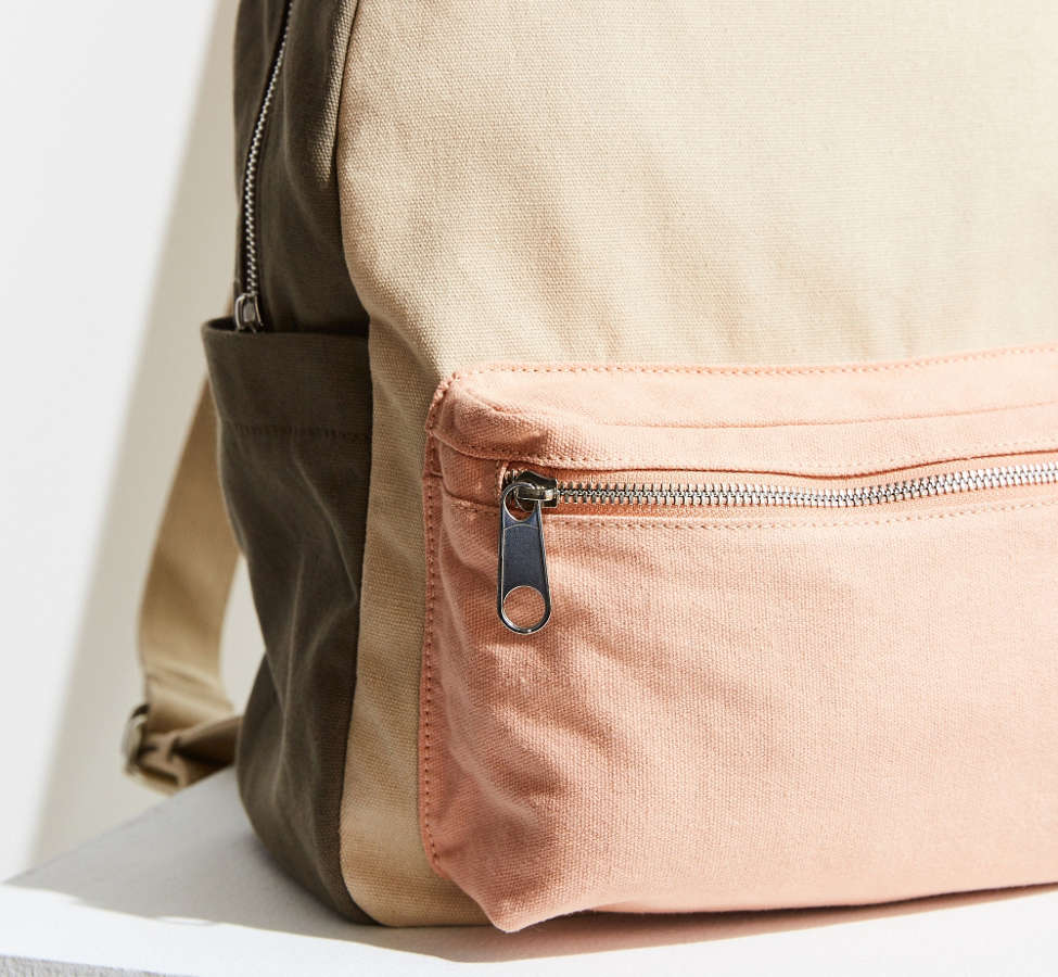 Slide View: 3: BDG Classic Canvas Backpack