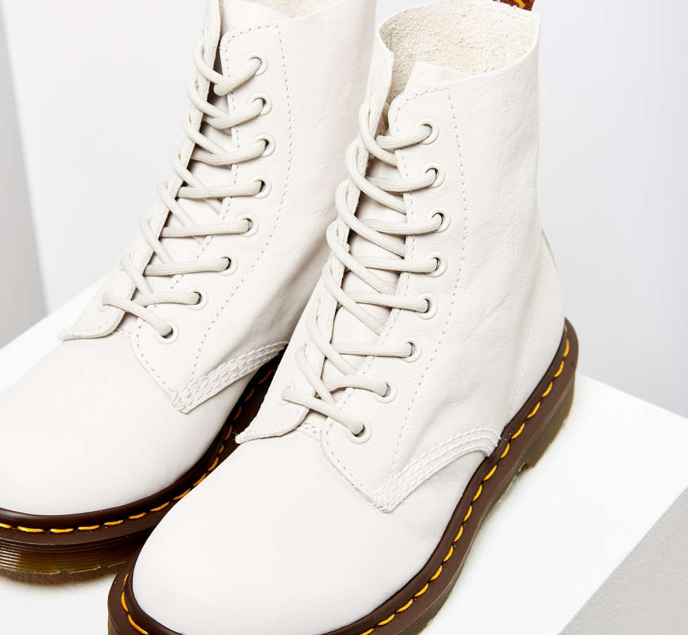 Slide View: 3: Dr. Martens Pascal Virginia 8-Eye Boot