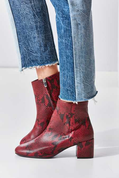 Slide View: 3: Thelma Ankle Boot