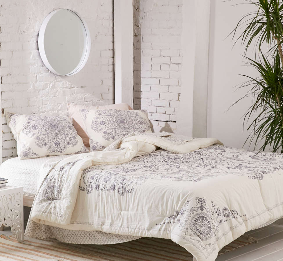 Slide View: 1: Louise Medallion Comforter Snooze Set