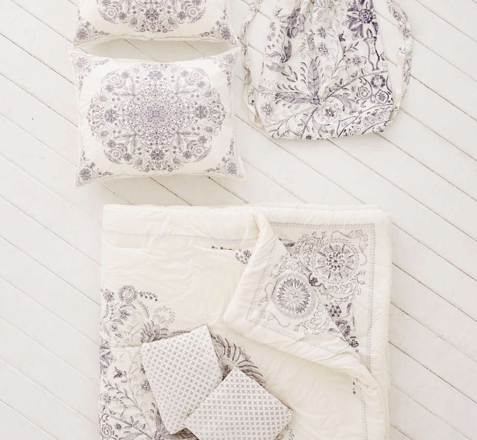 Slide View: 2: Louise Medallion Comforter Snooze Set