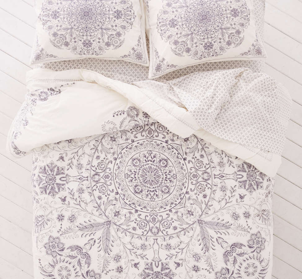 Slide View: 3: Louise Medallion Comforter Snooze Set