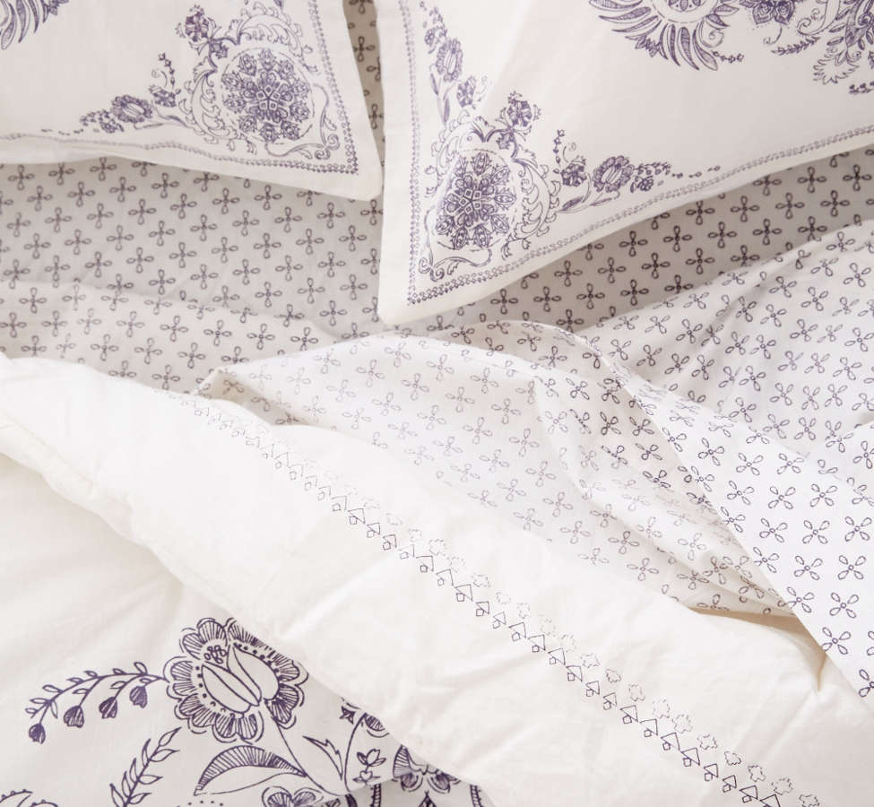 Slide View: 5: Louise Medallion Comforter Snooze Set