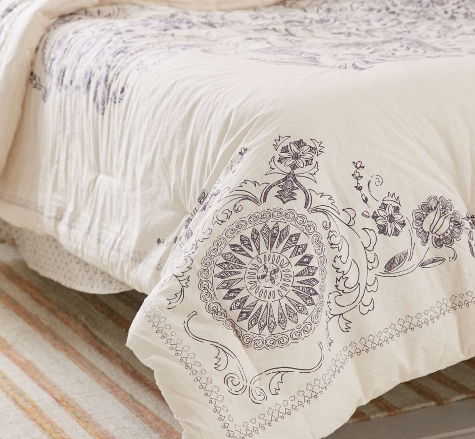 Slide View: 6: Louise Medallion Comforter Snooze Set