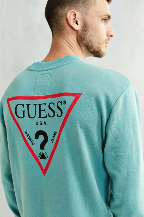 GUESS Logo Crew Neck Sweatshirt   Urban Outfitters