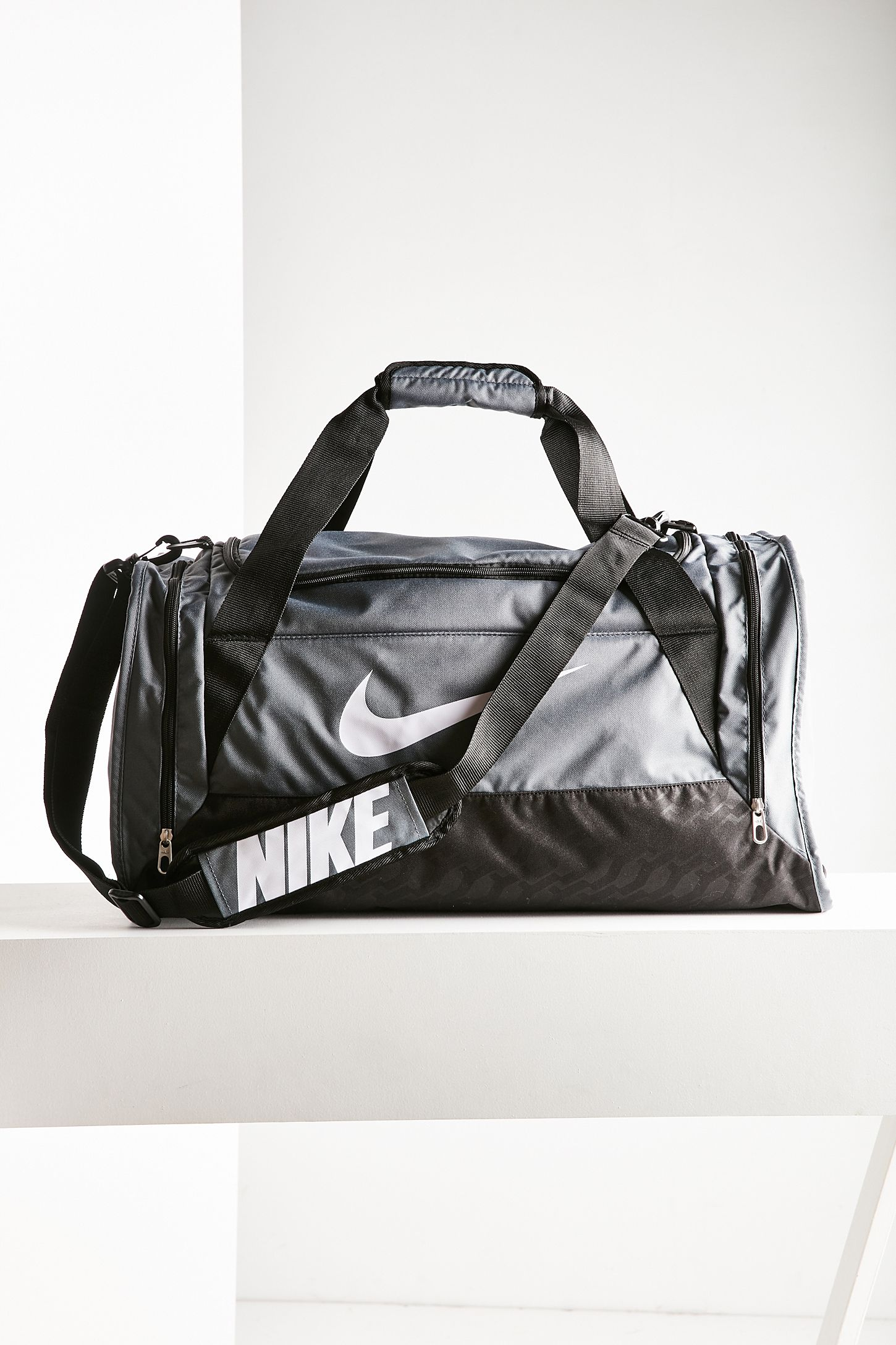 4b8c4d409ca0 Nike Brasilia 6 Medium Duffle Bag