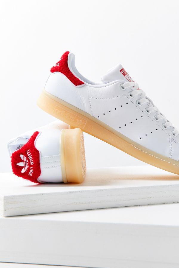 Sneakers Stan Smith chenille adidas Originals   Urban Outfitters Canada eebb3ca79b20
