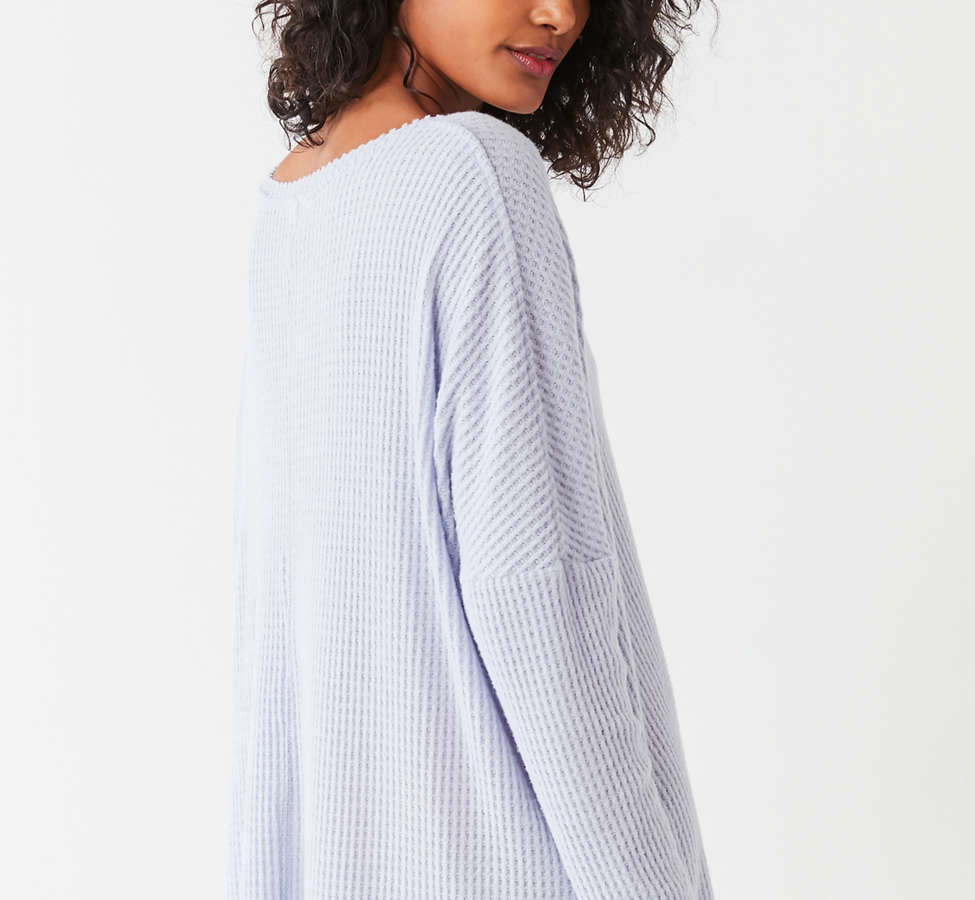 Slide View: 2: Out From Under Oversized Cozy Thermal V-Neck Top