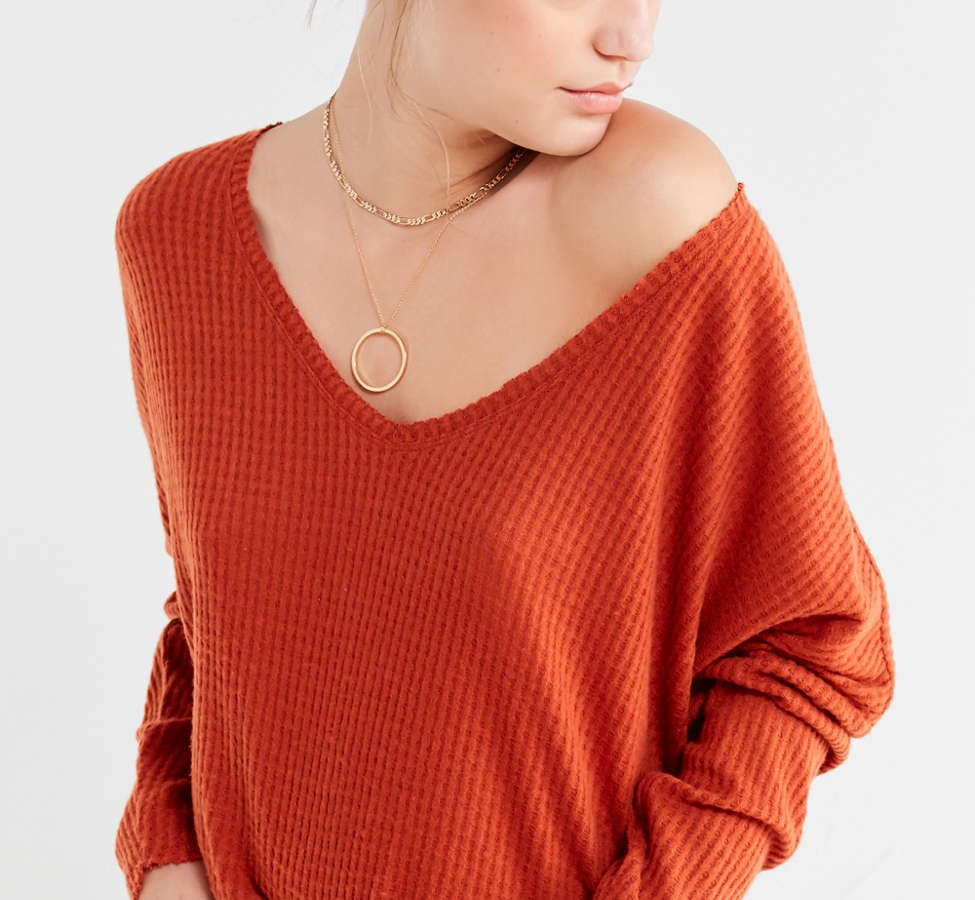 Slide View: 1: Out From Under Oversized Cozy Thermal V-Neck Top