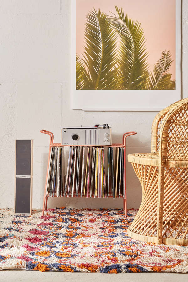 Larisa Vinyl Storage
