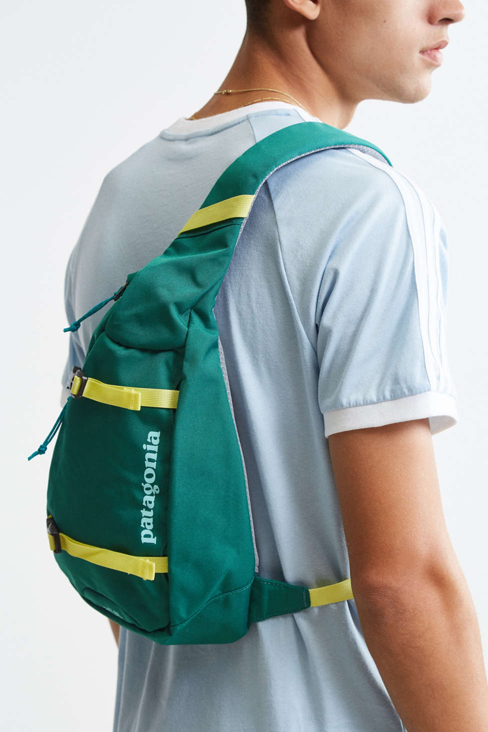Patagonia Atom Sling Bag | Urban Outfitters
