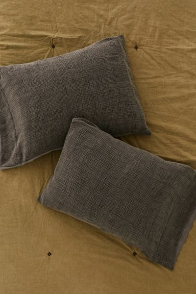Kyah Textured Sham Set - Slate One Size at Urban Outfitters