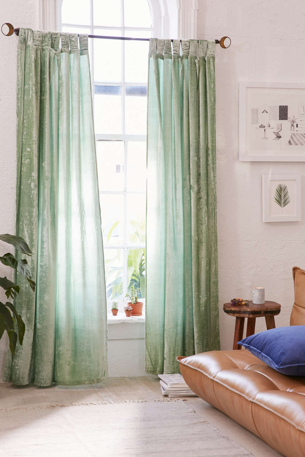 Slide View: 1: Crushed Velvet Window Curtain