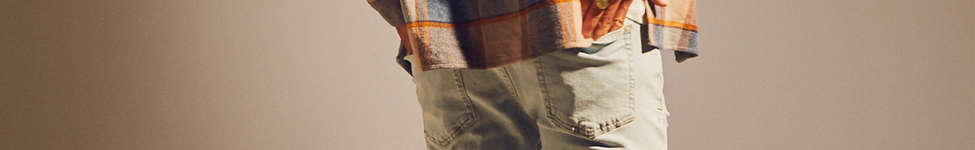 Thumbnail View 4: BDG Frozen Wash Destructed Skinny Jean