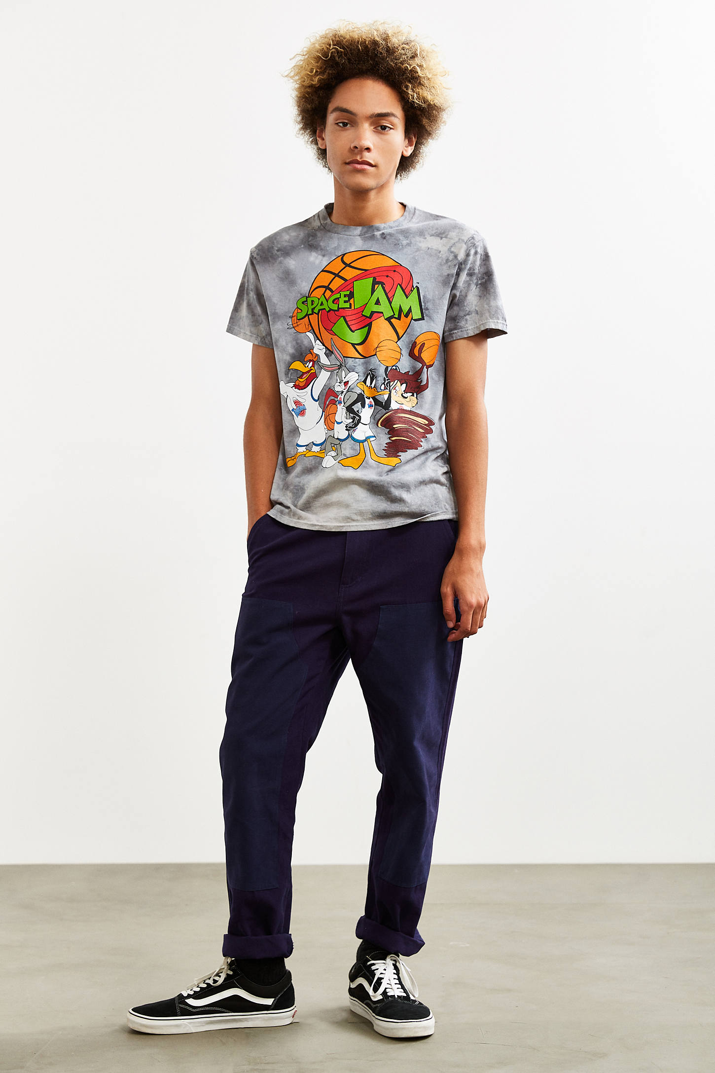 Black t shirt urban outfitters - Slide View 6 Space Jam Dye Tee