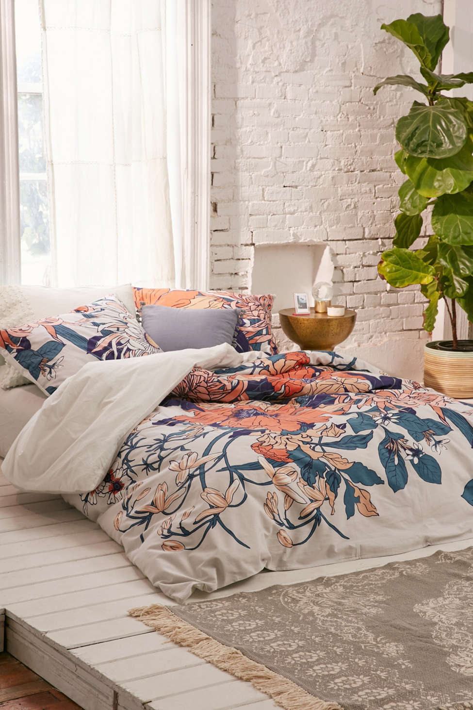 Slide View: 2: Botanical Scarf Duvet Cover