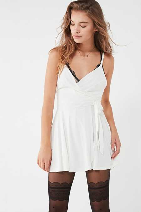Rompers + Jumpsuits for Women | Urban Outfitters