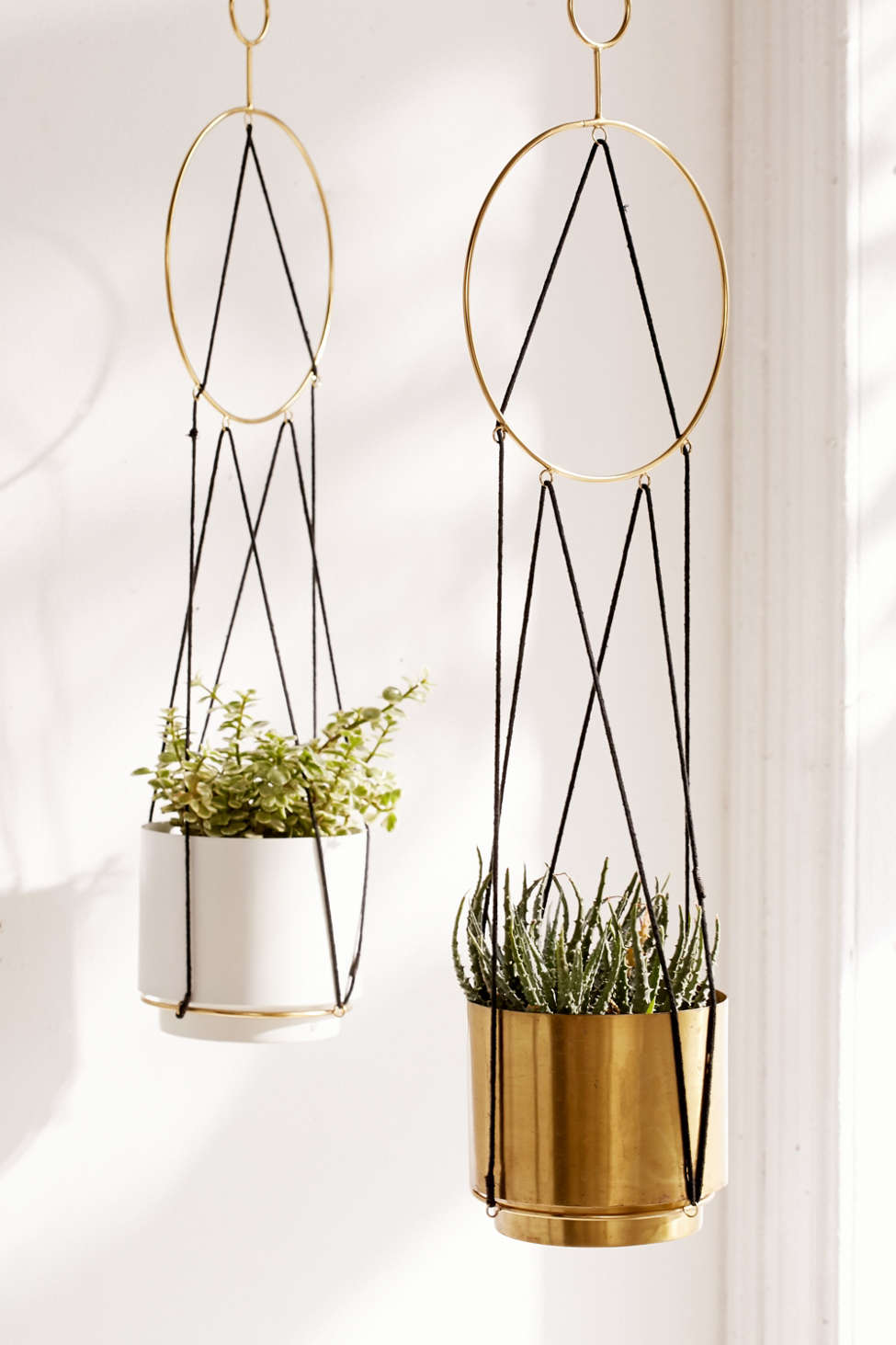 Slide View: 1: Triangle String Hanging Planter