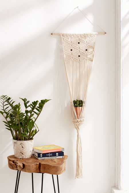 Slide View: 1: Small Macramé Hanging Wall Planter