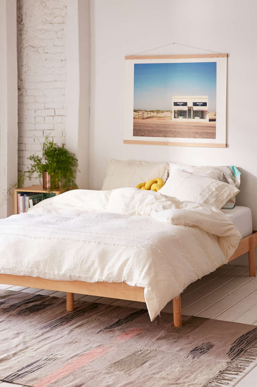 Slide View: 1: Willow Fringe Duvet Cover