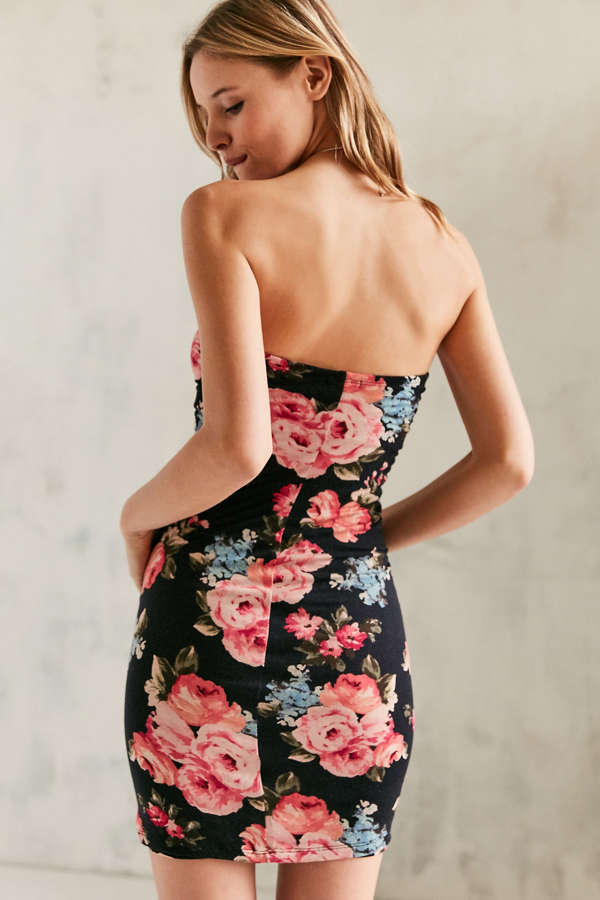 Kimchi Blue Strapless Floral Bodycon Dress | Urban Outfitters